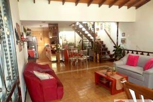 Casa en venta en La Magnolia con Balcón...