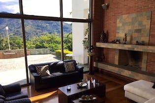Casa en venta en Loma del Escobero, de 856.14mtrs2