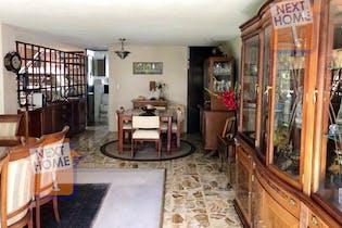 Casa en venta en La Herradura con terraza propia,