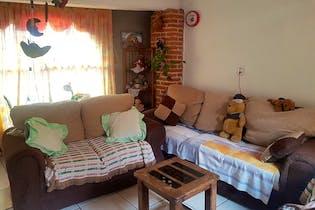 Casa en venta en Palmitas con patio.