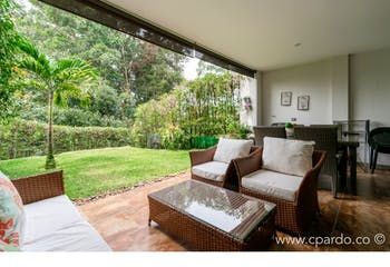 Casa en Venta en Loma del Atravezado con 280mt