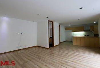 Apartamento en venta en Loma de Benedictinos de 120 mt con balcón