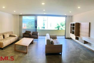 Apartamento en Castropol, Poblado - 155mt, tres alcobas, dos balcones