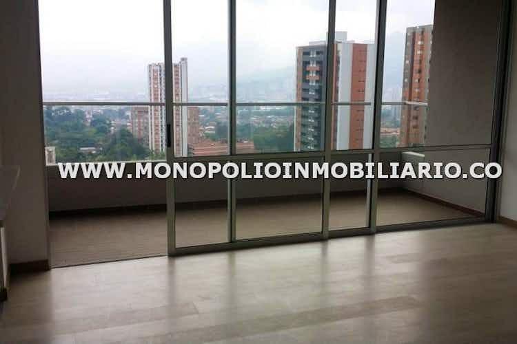 Portada Apartamento en venta en Suramérica con Balcón.