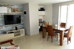 Apartamento en venta en Los Almendros de 3 hab. con Balcón...