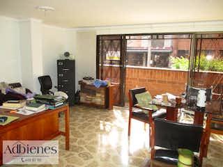 Una sala de estar llena de muebles y una televisión de pantalla plana en ZARES