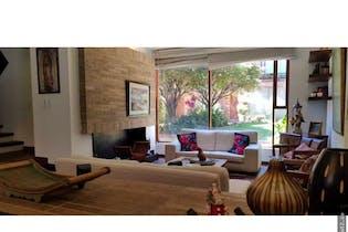 Casa en venta en Barrio Usaquén de 180 mt2. con 3 niveles.