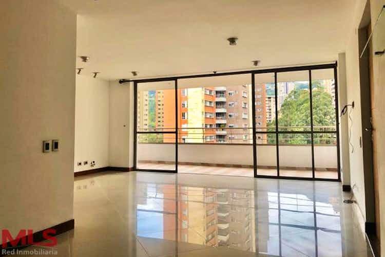 Portada Apartamento en venta en El Tesoro de 130 mt2. con balcón.