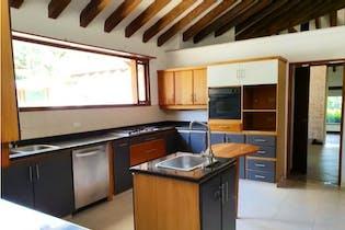 Casa en venta en Quirama, de 2150mtrs2 con chimenea