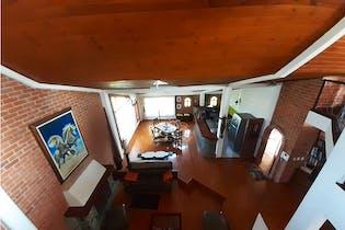 Casa en venta en Siberia de 4 alcobas