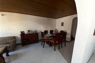 Casa en venta en Villa del Prado de 5 Habitaciones