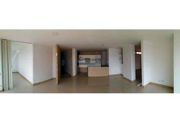 Apartamento en venta en Loma del Escobero, 125mt con dos balcones.