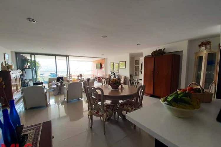 Portada Apartamento en venta en Loma de Las Brujas con 173 mt