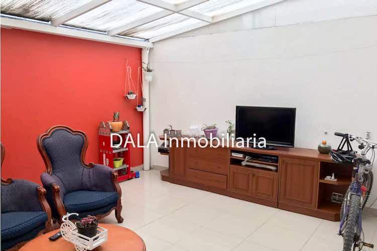 Portada Casa en venta en Casco Urbano Cajicá , Con 3 habitaciones-67mt2