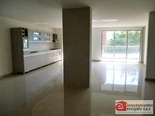 Una vista de una cocina desde el pasillo en LA ESMERALDA