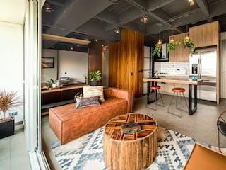 Una sala de estar llena de muebles y una televisión de pantalla plana en Primeiro