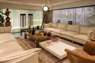 Casa en venta en Lomas Anahuac de 1600mts2, tres niveles