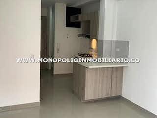 Una imagen de una sala de estar con un gran ventanal en MARIAH APARTAMENTOS 503