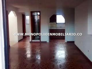 Una imagen de una sala de estar con una ventana en Casa en venta en Boyacá de 4 Habitaciones- 104m2.