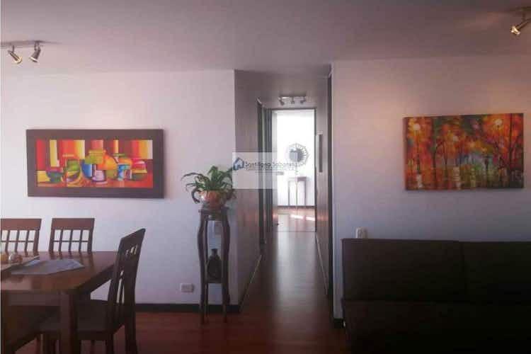 Portada Apartamento en venta en Suramerica con balcón.