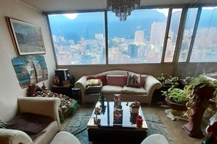 Apartamento con hall de entrada, en Chapinero de 78m2