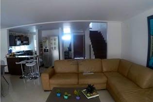 Casa en venta en Loma de Benedictinos de 3 habitaciones