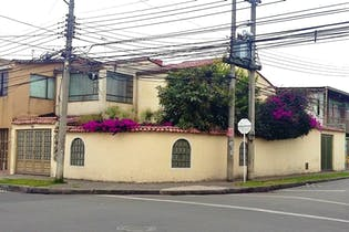 Casa en venta en Villa Luz de 4 hab. con Jardín...