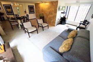 Apartamento con estudio y hall de entrada, en Cedritos de 80.32m2