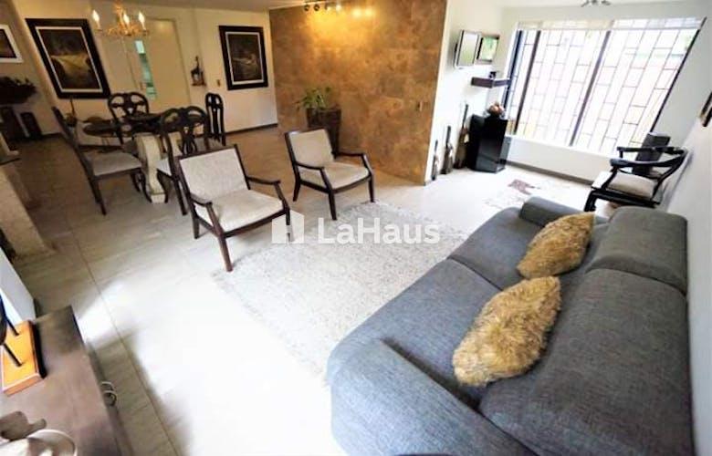 Portada Apartamento con estudio y hall de entrada, en Cedritos de 80.32m2
