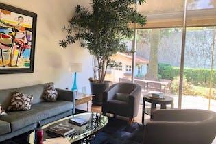 Casa en venta en Lomas de Vista Hermosa de 2 niveles.