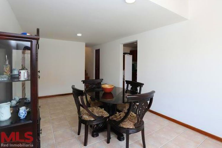 Portada Casa en venta en Alcala, 86mt de tres niveles.
