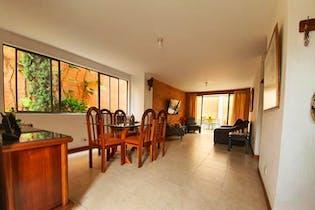 Casa en venta en Suramérica de tres habitaciones