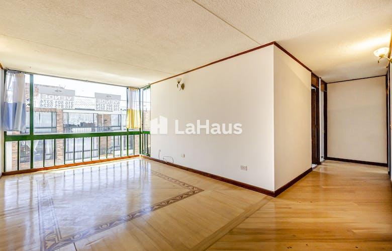 Portada Apartamento con balcón, en Cedritos de 71m2