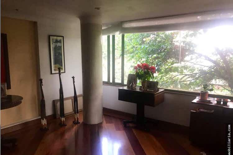 Portada Apartamento en venta en Santa Bárbara Oriental de cinco alcobas