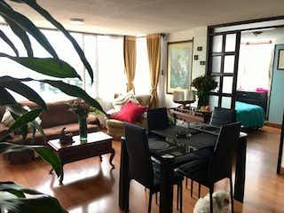 Una sala de estar llena de muebles y una ventana en Apartamento En Venta En Bogota Minuto De Dios