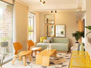 Una sala de estar llena de muebles y una planta en maceta en Reserva Serrat - Selva