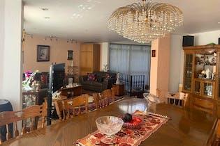 Casa en venta en Lomas De Tecamachalco de 3 niveles.