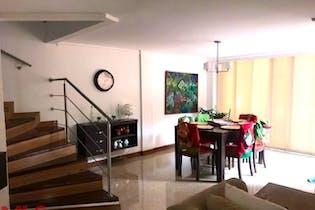 Casa en venta en Loma Del Escobero, 170m² con Gimnasio...
