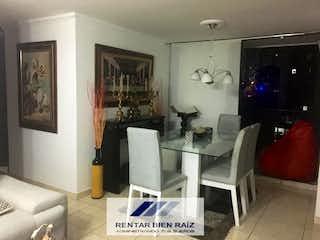 Una sala de estar llena de muebles y una ventana en Apartamento en venta en Rodeo Alto de 65mtrs2