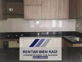 Una cocina con una estufa y un fregadero en Apartamento en venta en Parque/Centro, La Ceja de 105mtrs2