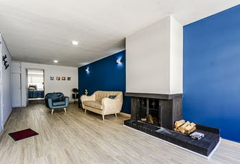 Apartamento con chimenea de leña, en Barrios Unidos de 125m2