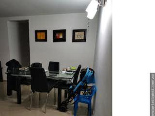 Una habitación llena de muebles y un suelo de madera en No aplica