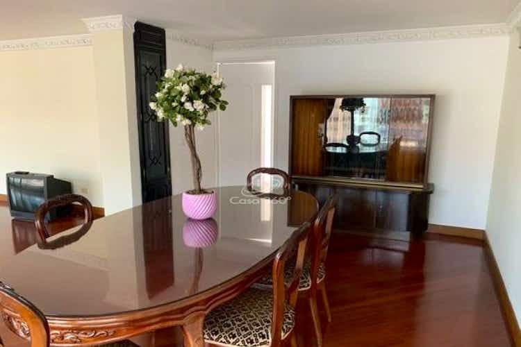 Portada Apartamento Duplex en venta en Chicó Reservado con terraza.