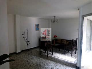 Una habitación que tiene un montón de cosas en ella en Casa en venta en Los Colores de 520 mt