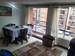 Una sala de estar llena de muebles y una ventana en Apartamento en venta en Casco Urbano Soacha de 3 Habitaciones