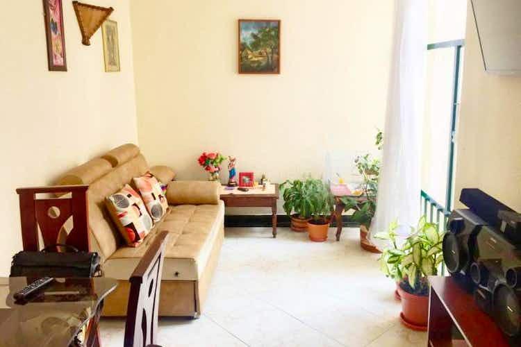 Portada Apartamento en venta en Costa Azul de tres habitaciones.