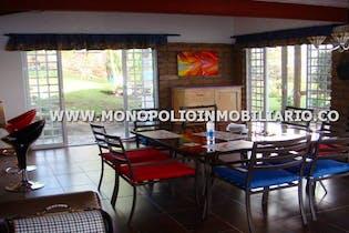 Casa en venta en Casco Urbano Guatapé con acceso a Jardín
