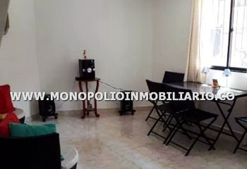 Casa bifamiliar en venta en Copacabana de 2 habitaciones