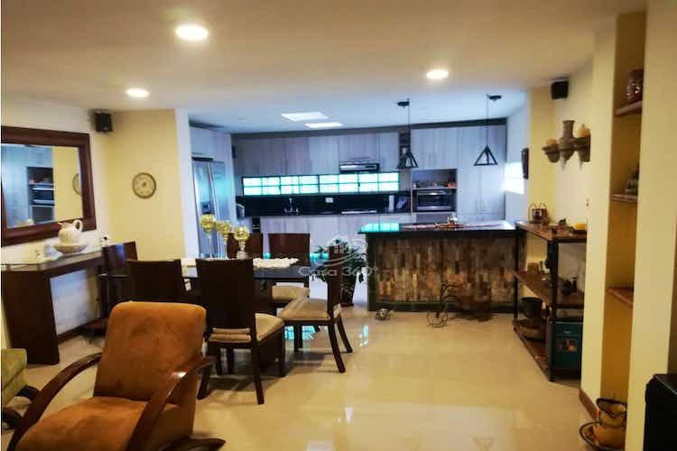 Portada Casa en venta en El Tesoro de 220 mt