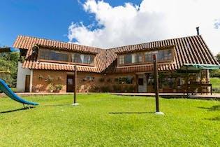 Finca en venta en Acuarela con acceso a Jardín